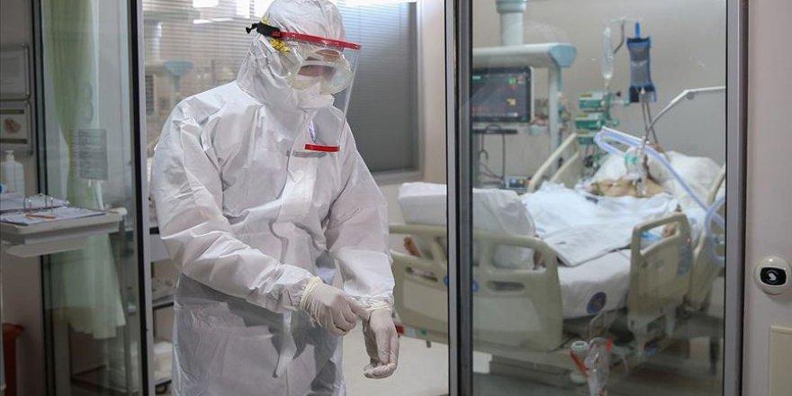 Fedakar sağlık çalışanları 'entübe hastalar nefes alabilsin' diye mücadele ediyor