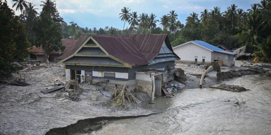 Endonezya'da şiddetli yağışlar yağdırıldı