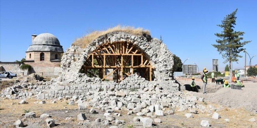 Malatya'daki 700 yıllık Şahabiyye-i Kübra Medresesi ayağa kaldırılacak