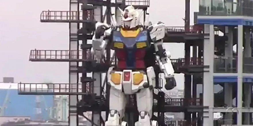 18 metrelik dev robot hareket etti