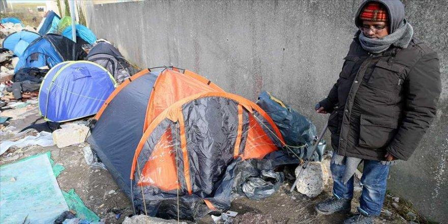 Calais'deki sığınmacılar insanlık dışı koşullarda yaşıyor