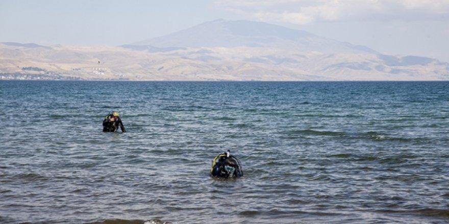 Van Gölü'nün derinliklerindeki yaşamın izleri araştırılıyor
