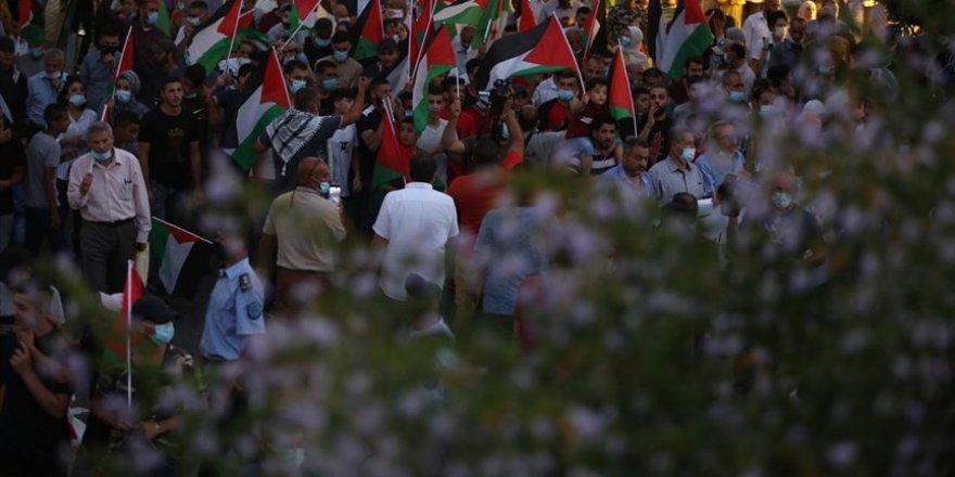 BAE ve Bahreyn halkları İsrail ile normalleşmeye karşı