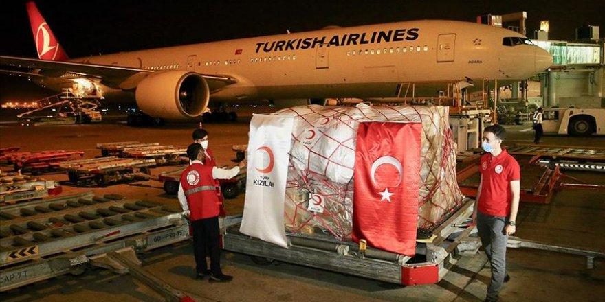 Türk Kızılay Kovid-19 ile mücadelede Pakistan'a maske yardımı yaptı