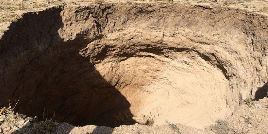 Konya'da 30 metre çapında 20 metre derinliğinde obruk oluştu