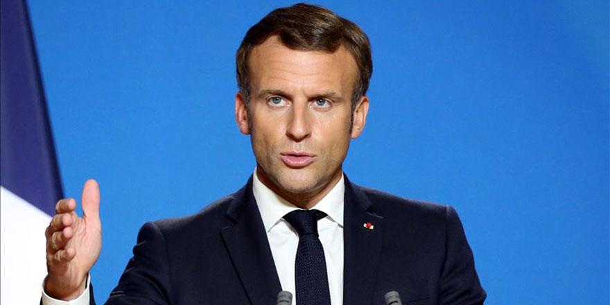 Listede olduğu açıklanan Macron'da büyük panik! Telefonunu değiştirdi