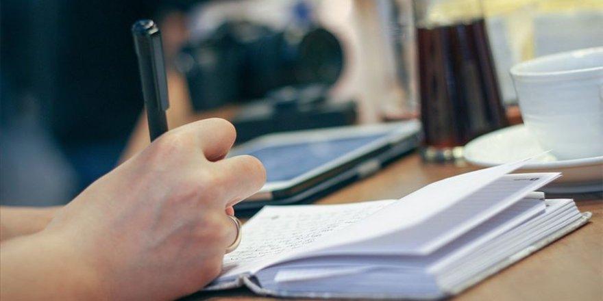 Felçli birinin hızlı yazı yazmasına imkan veren bir çalışma