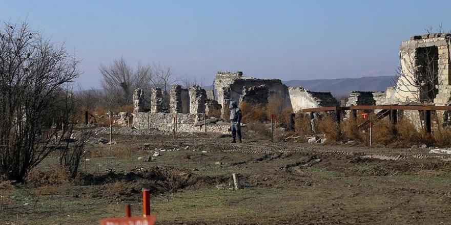 Ermenistan ateşkese rağmen sivil yerleşim birimlerine saldırılarını sürdürüyor