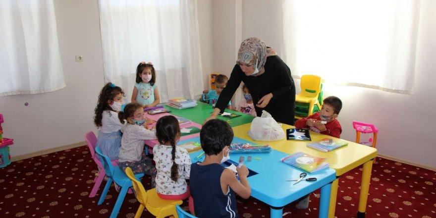 4-6 yaş Kur'an kursu öğrencileri eğlenerek öğreniyor