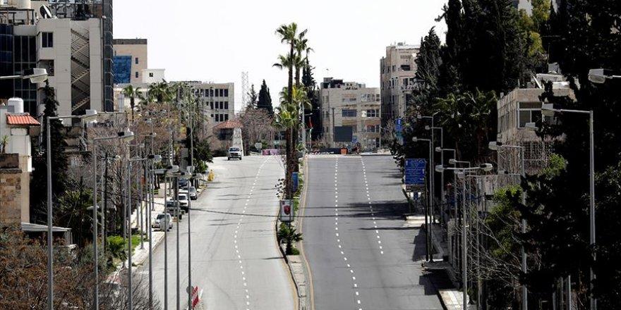 Ürdün'de yıl sonuna kadar cuma günleri sokağa çıkma yasağı uygulanacak