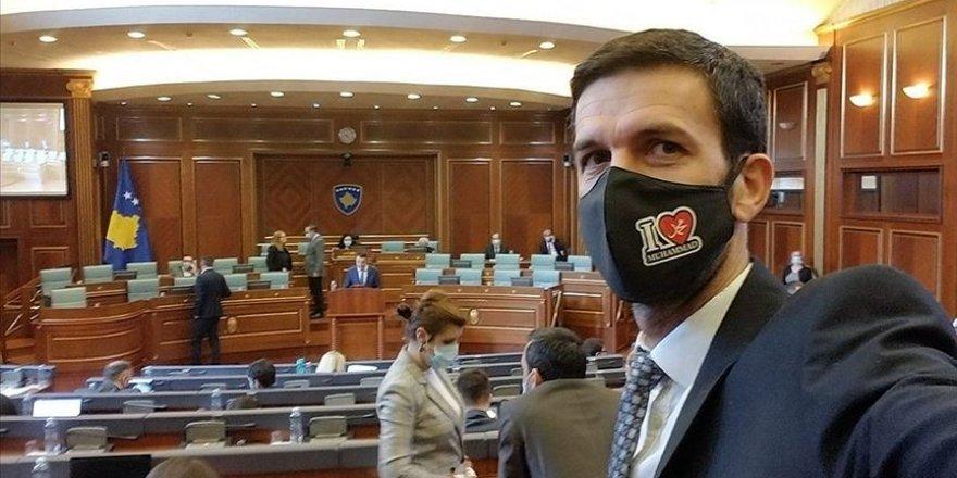 'I Love Muhammed' yazılı maskeyle Meclis'e geldi
