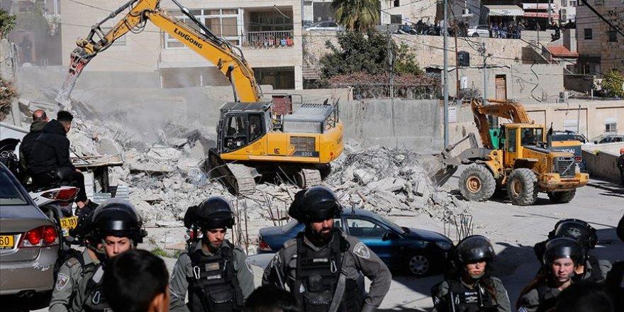 Siyonist işgal rejimi Filistinlilere ait evleri yıkma zulmüne devam ediyor