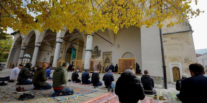 Saraybosnalı Müslümanlardan Hazreti Muhammed'i hedef alan karikatürlere tepki