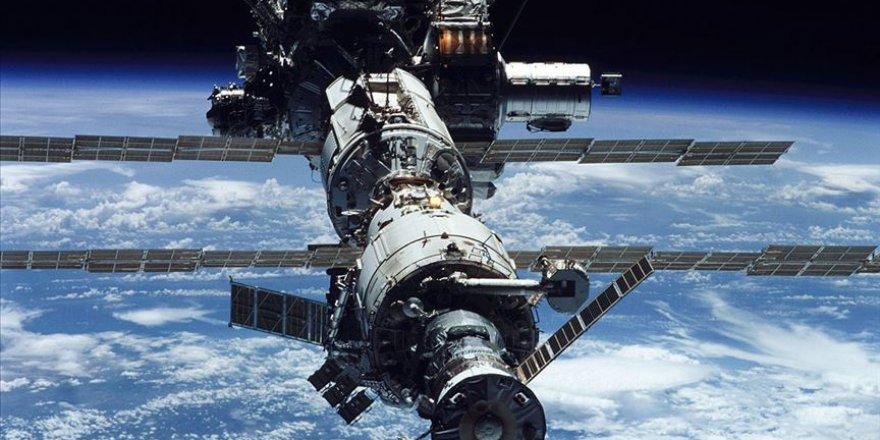 Uzayda bir yıl boyunca unutulan insan
