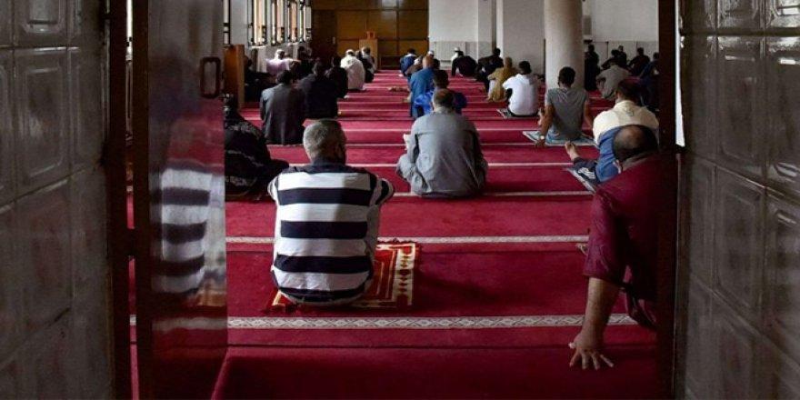 İçişleri bakanlığı: İkametlere en yakın camide cuma namazı kılınabilecek