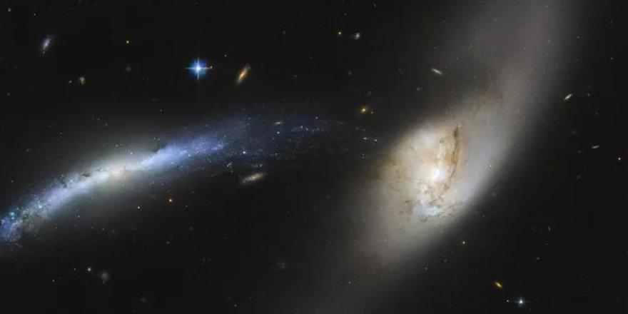 İki dev galaksinin 'çarpışma öncesi' son anları görüntüledi