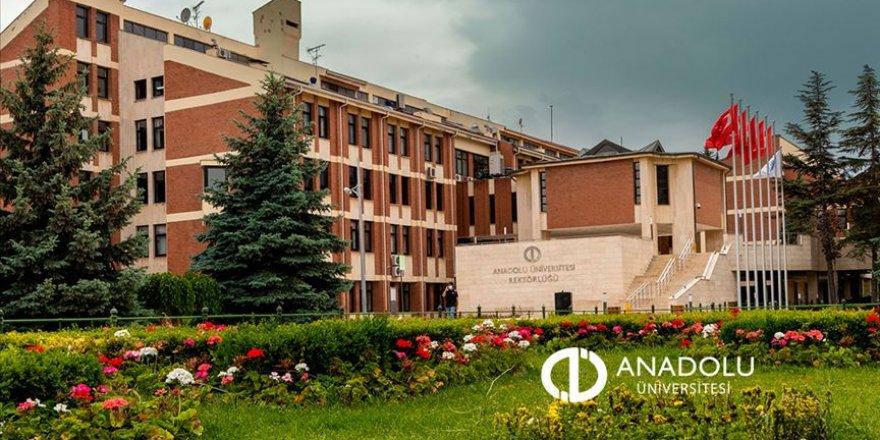 Anadolu Üniversitesi'nden öğrencilere iki yeni burs imkanı