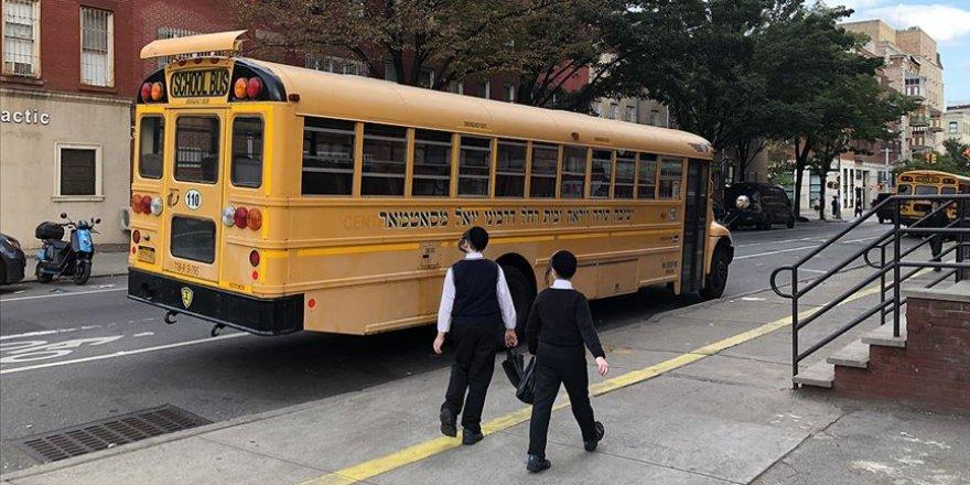 New York kentinde okullar Kovid-19 nedeniyle yeniden kapanacak