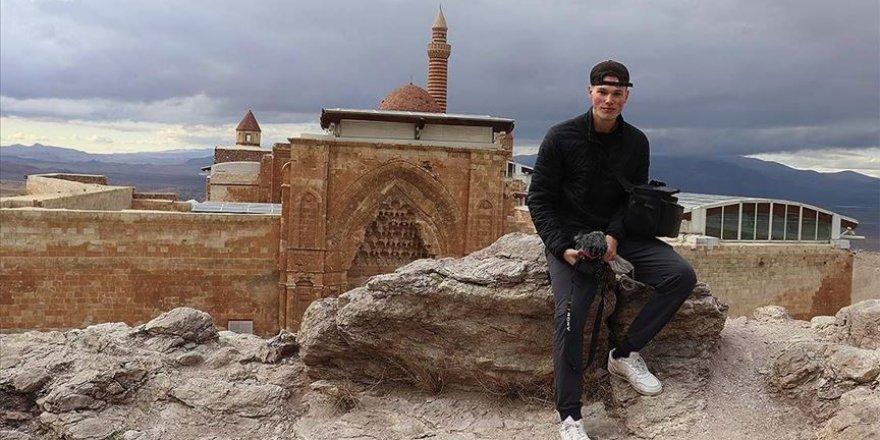 Kanadalı Müslüman gezgin Türkiye'nin inanç merkezlerine hayran kaldı