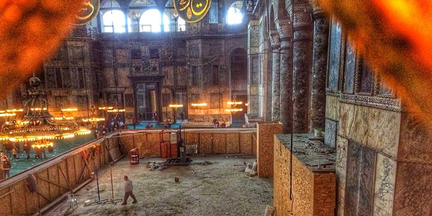 Ayasofya Camii'ndeki dev iskele 7 yıl sonra kaldırıldı