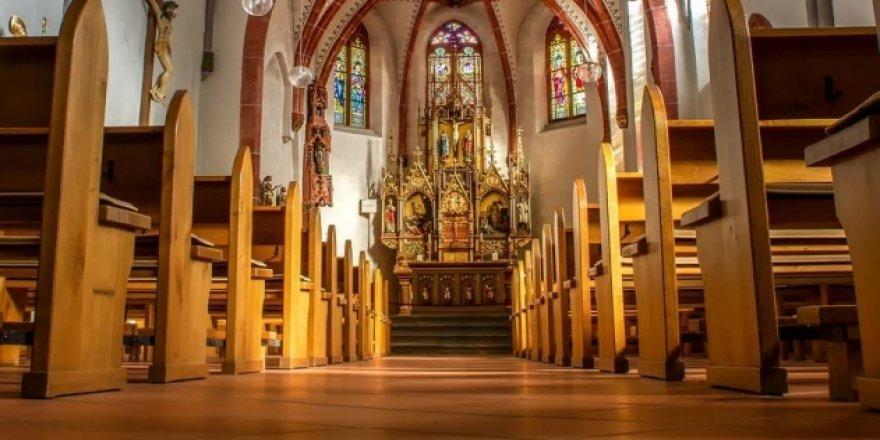 Fransa'da halkın yüzde 51'i Tanrı'ya inanmıyor!