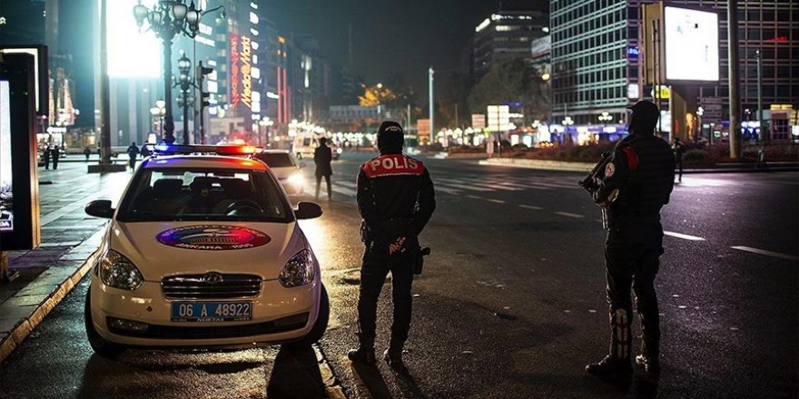 Türkiye genelinde hafta sonu uygulanacak sokağa çıkma kısıtlaması başladı