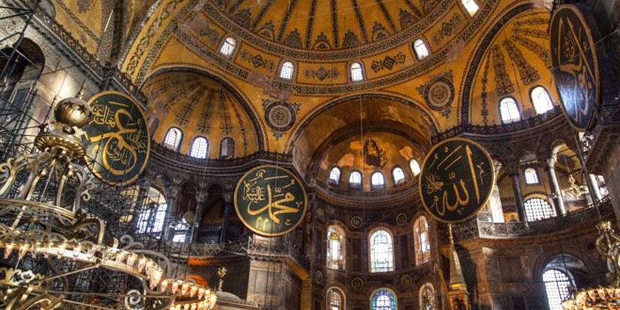 Ayasofya Camii'nin hat levhaları bakıma alınıyor