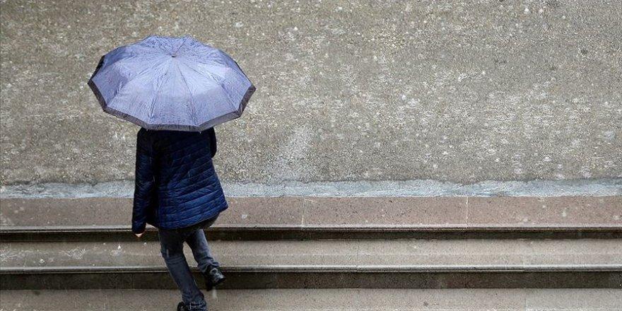 """Meteoroloji'den """"kuvvetli sağanak yağış"""" uyarısı"""