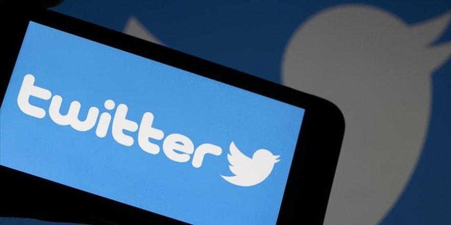 Twitter, daha önce hesabını kapattığı Trump'ın açıklamalarını yayımlayan hesabı askıya aldı
