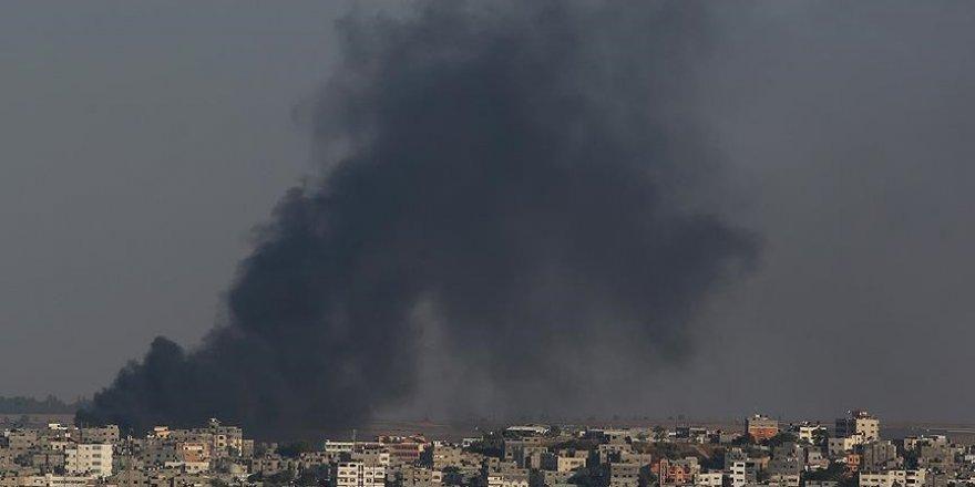 İşgalci İsrail'in vurduğu çocuk hastanesi büyük hasar gördü