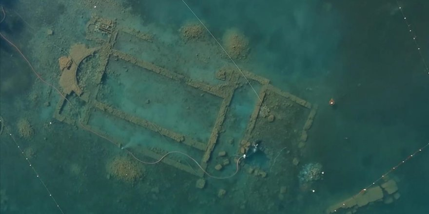 İznik'teki bazilikada yapılan arkeolojik çalışmalar su altından ve havadan görüntülendi