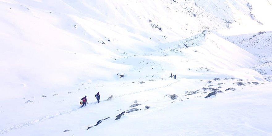 Doğu'daki 4 il için kuvvetli buzlanma ve çığ uyarısı