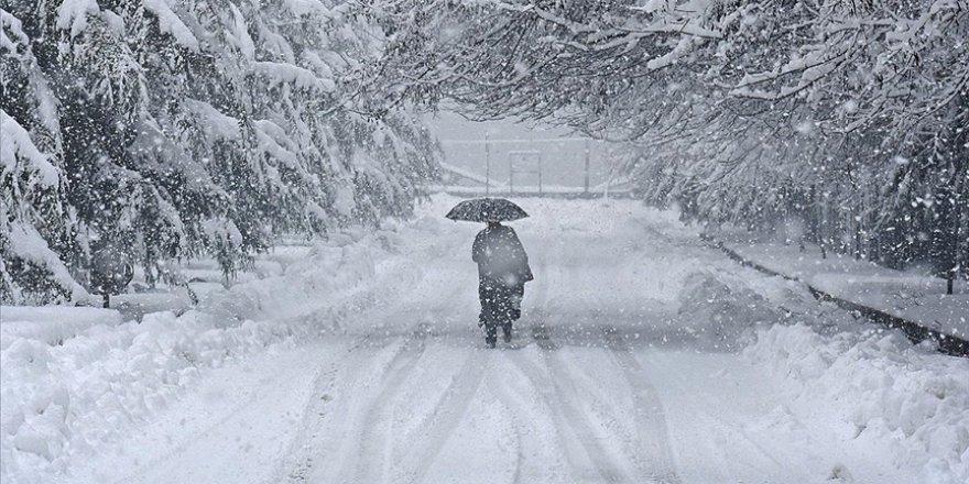 Karda düşmeden yürümenin 10 kuralı