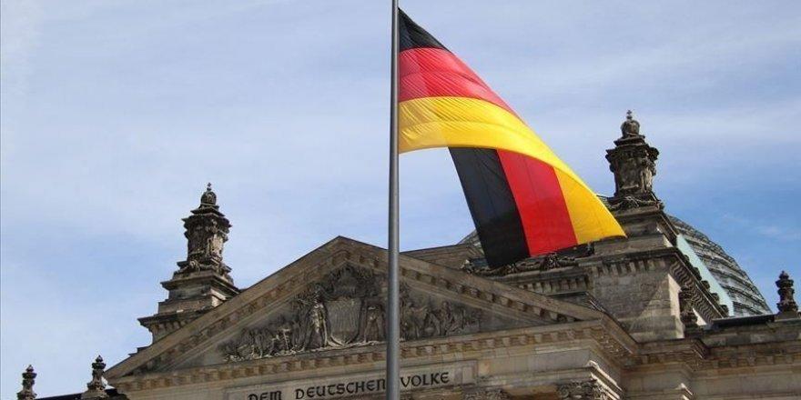 Almanya'nın Hessen eyaletinde okullarda Türkçe'yi müfredat dışı bırakma tasarısı tepki gördü