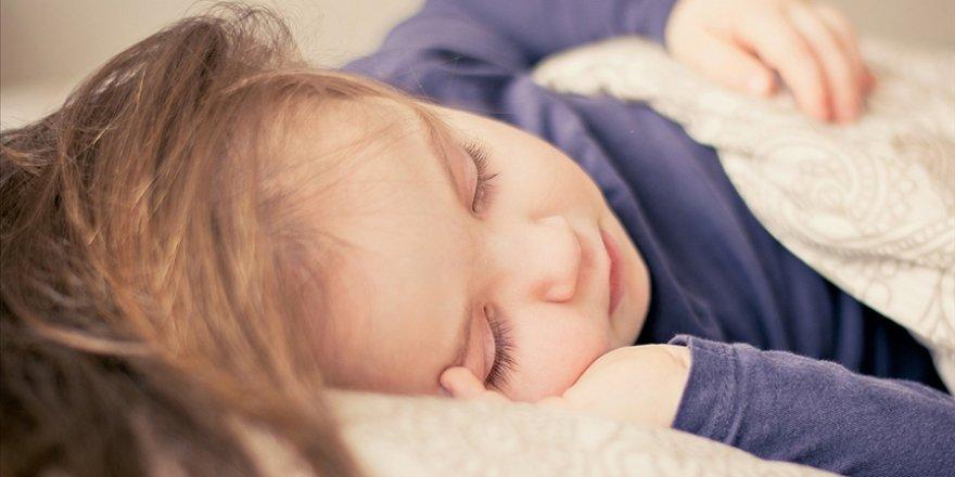 'Bebeğiniz uyumuyorsa yorgun olabilir'