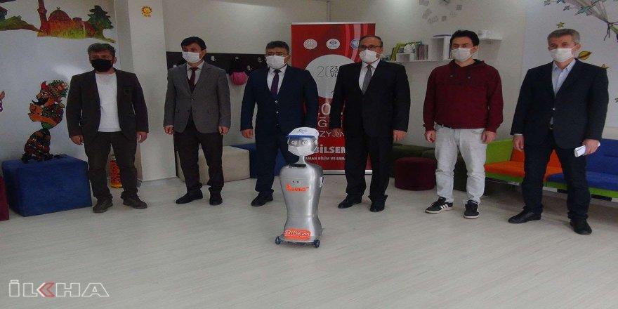 Türkiye'nin ilk yapay zekâ destekli maske tanıyan otonom robotu Adıyaman'da üretildi