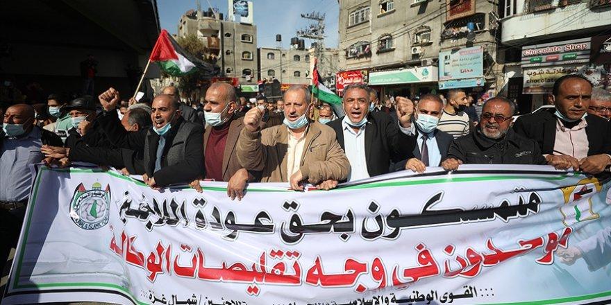 Filistinliler BM yardım kuruluşunun sunduğu hizmetleri azaltmasını Gazze'de protesto etti