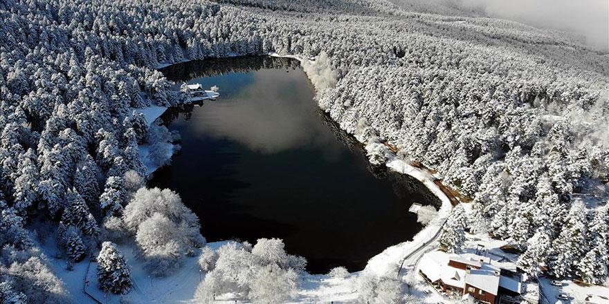 Gölcük Tabiat Parkı beyaz rahmetle bir başka güzel