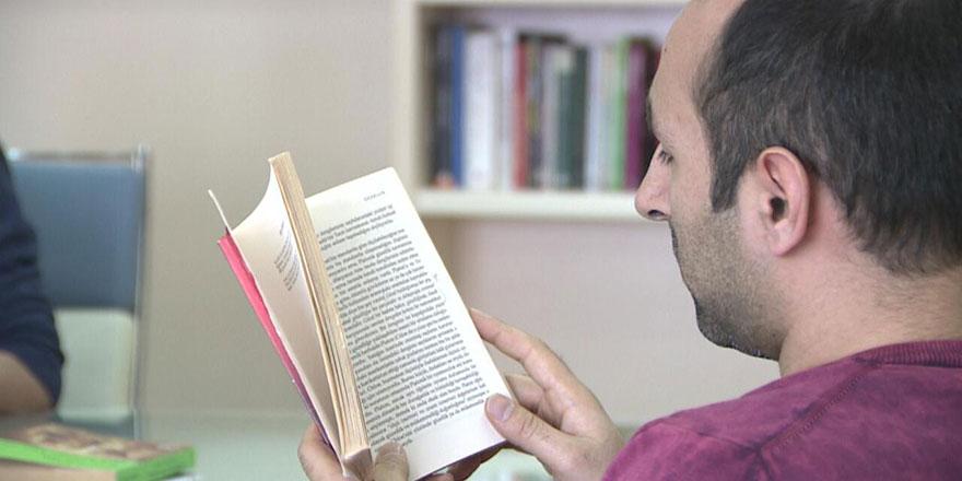 Ardahan'da televizyon kapatılıp kitap okuma seferberliği başladı