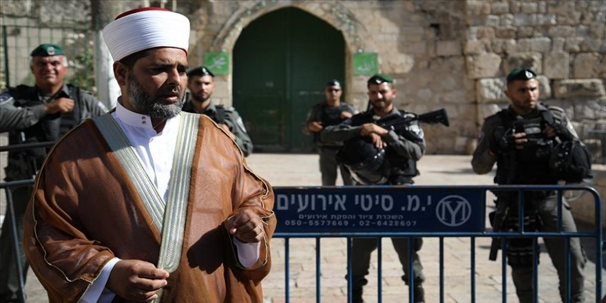 Mescid-i Aksa Müdürü Kisvani, İsrail'in ibadet etmek isteyen Filistinlileri engellediğini söyledi