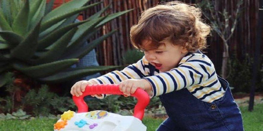 Yürüteçteki tehlike; çocuğun yürümesini geciktiriyor