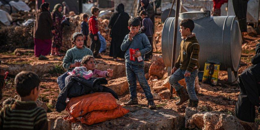 TDV, İdlib'deki sivilleri her yağmurda çamur içinde kalan çadırlardan kurtararak briket evlere taşıyor