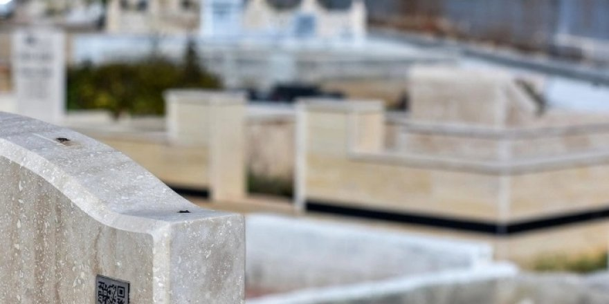 Mezar taşlarında karekod sistemi yaygınlaşıyor