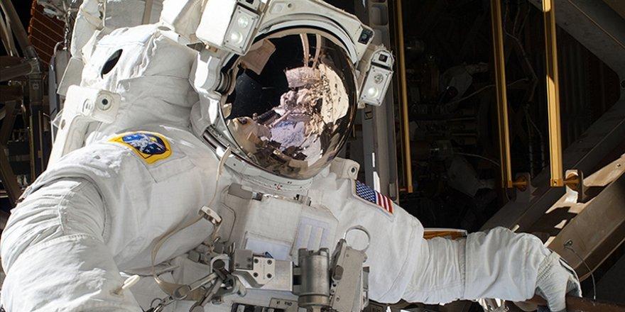Uluslararası Uzay İstasyonundaki astronotlar uzay yürüyüşüne çıktı