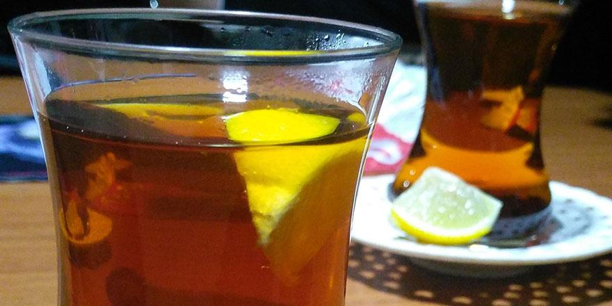 Çayı limonla içenlere güzel haber