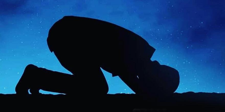 Peygamber Efendimizin (asm) arkasında namaz kıldığı iki sahabe