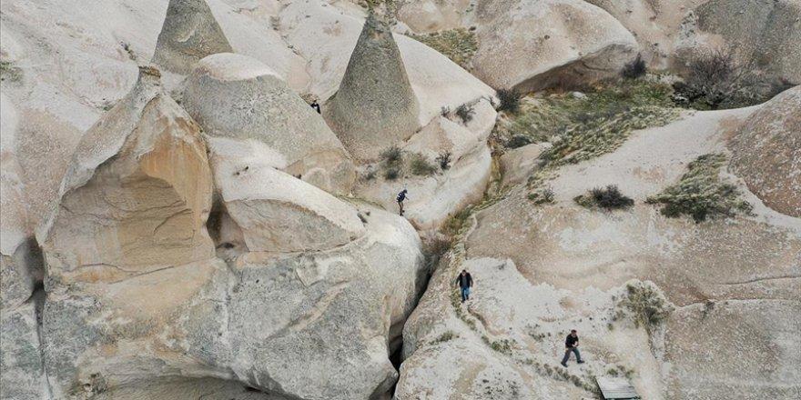 Kapadokya'nın 'gizli hazineleri'nden Çat Vadisi turistleri ağırlamak için gün sayıyor