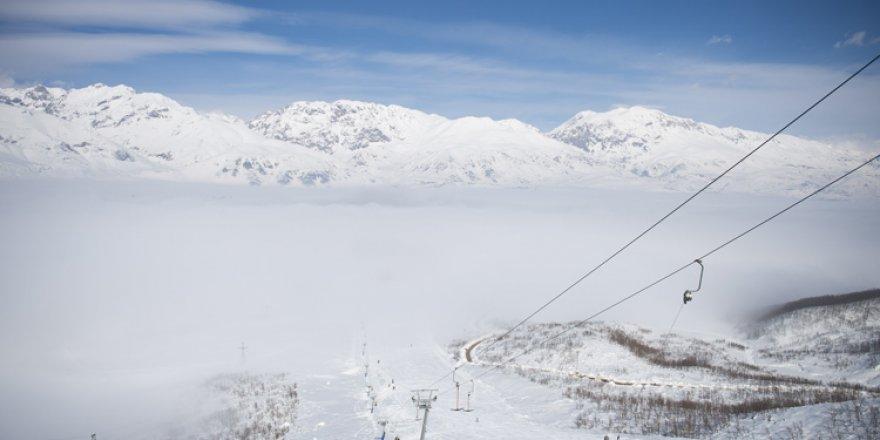 Ovacık semalarını kaplayan sis güzel görüntüler oluşturdu