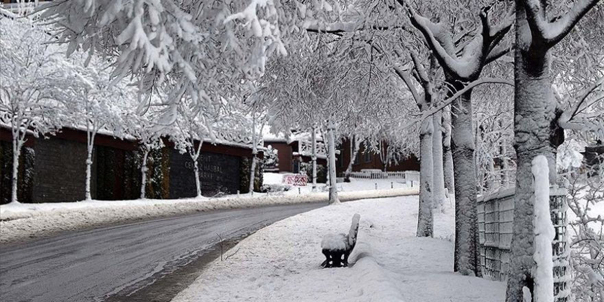 """Meteorolojiden """"yoğun"""" kar yağışı uyarısı"""