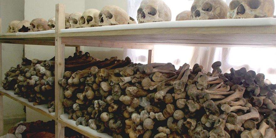 Fransa, Ruanda'da 800 bin kişiyi öldürenleri 'diplomatik telgraf' ile korumuş